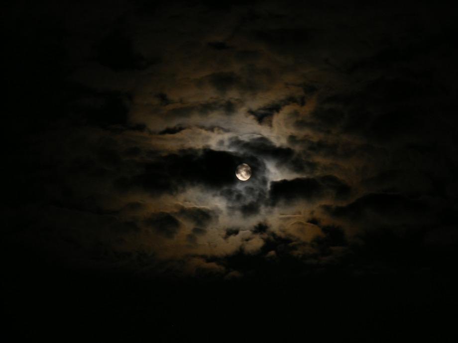 black_clouds_dark